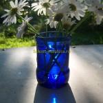 Самодельная ваза для цветов из стеклянной бутылки
