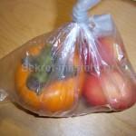 Кладем плоды в пакет