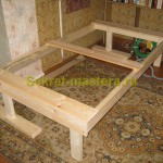 Рама самодельной кровати в месте установки