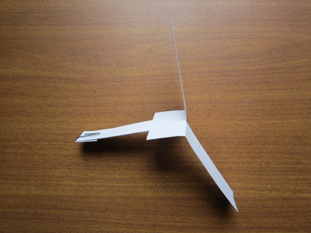 Летающая игрушка из бумаги вертолет