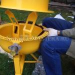 Примерка верхнего барабана бетоносмесителя