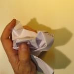 Сминаем лист бумаги