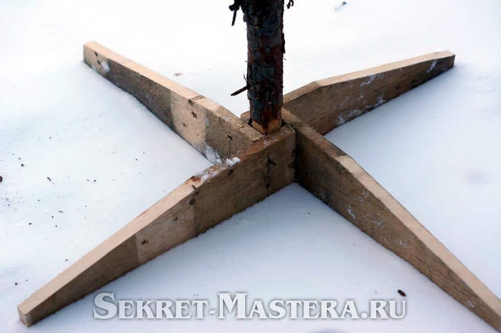 Крестовина для елки