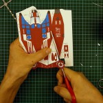 Вырезаем корпус поделки из бумаги вертолет