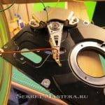 Крепление штока к коромуслу линейного двигателя. Эксперимент с HDD