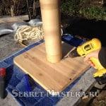Сверлим отверстие для ввода каната обмотки столба когтеточки