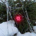Электронная игрушка на елку
