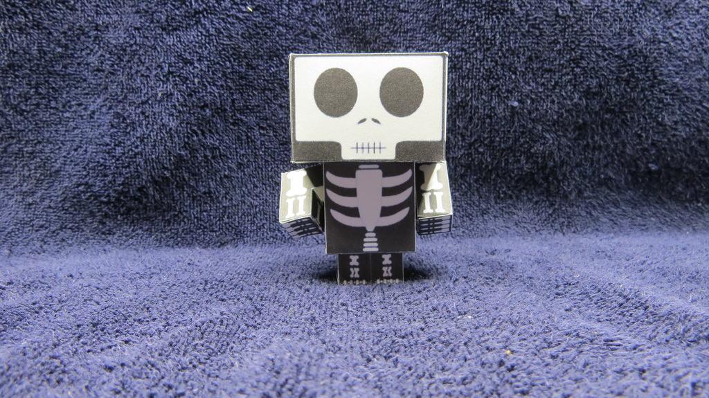 Скелет в стиле майнкрафт